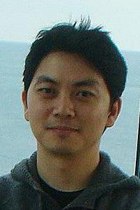 Hee Seok Kim headshot