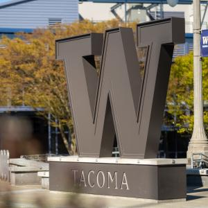 """The """"W"""" Statue at UW Tacoma"""
